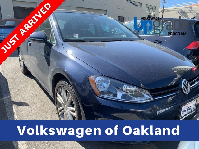 Certified Pre-Owned 2016 Volkswagen Golf TSI SE 4-Door