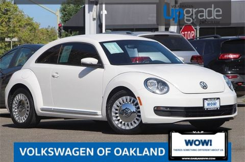 Certified Pre-Owned 2014 Volkswagen Beetle 2.5L